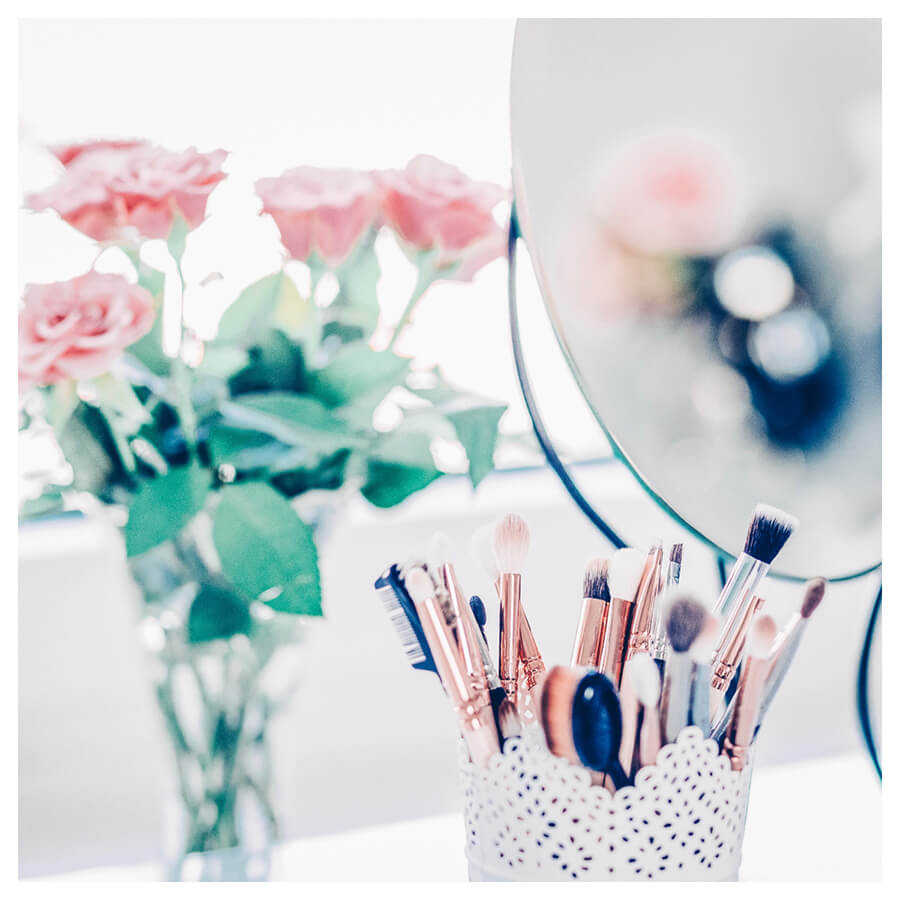 Beauty Blogger Lightroom Preset Filters make-up and roses after
