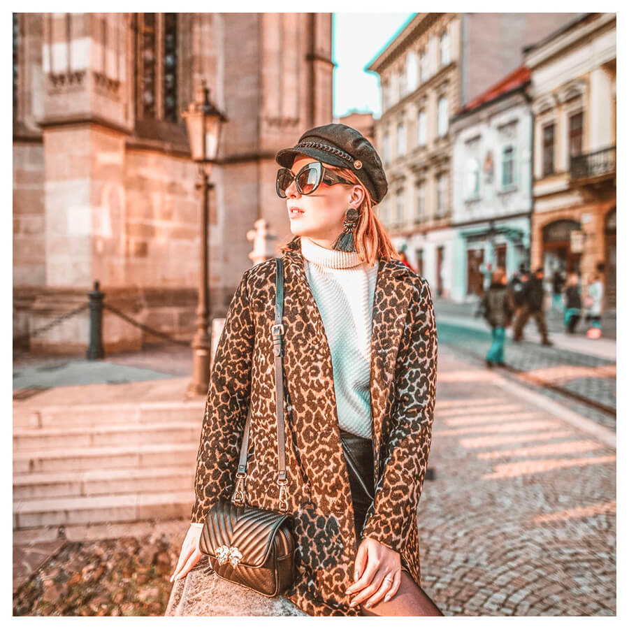Insta Favorites Lightroom Preset Filters woman and fashion for bloggers after