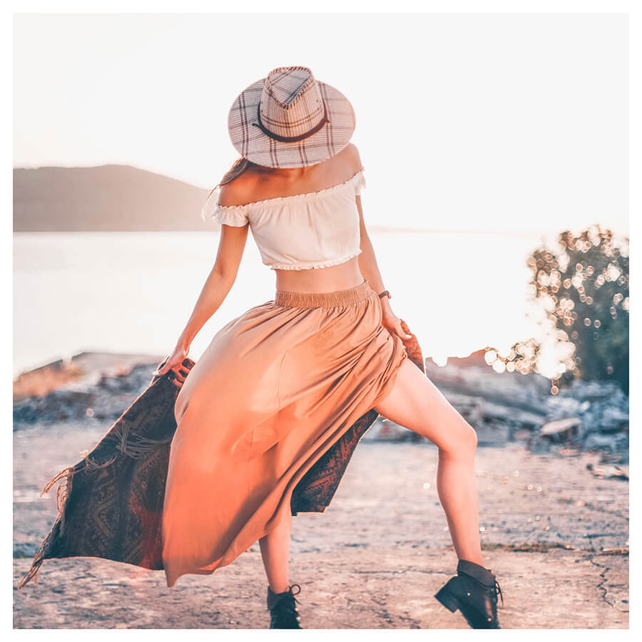 Insta Favorites Lightroom Preset Filters woman on the beach and fashion for bloggers after
