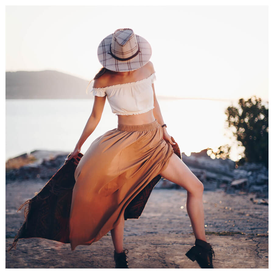 Insta Favorites Lightroom Preset Filters woman on the beach and fashion for bloggers before
